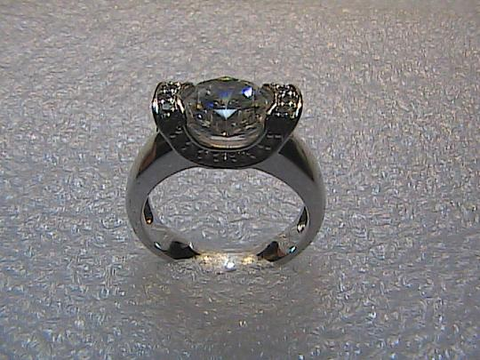 Vintage Sterling Silver 1.5 carats Oval Cut Cubic Zirconia Ring