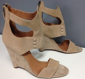Rosegold Shoes Suede Wedge Heel Button Accented Ankle Cuff Sandals B2790 Beige Platforms