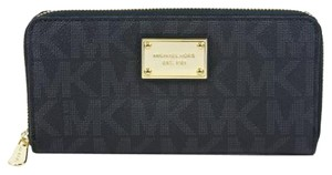 Michael Kors Jet Set Wallet Wristlet in Black