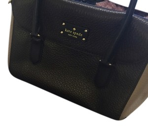 Kate Spade Handbag Crossbody Satchel in Ebony/Warm putty/Black