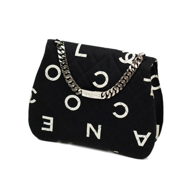 Item - Classic Flap Rare Vintage and Letter Nameplate Black & White Canvas Satchel