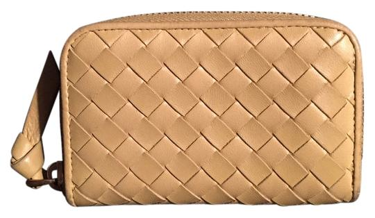 Preload https://img-static.tradesy.com/item/14054521/bottega-veneta-light-yellow-3-compartment-wallet-0-1-540-540.jpg