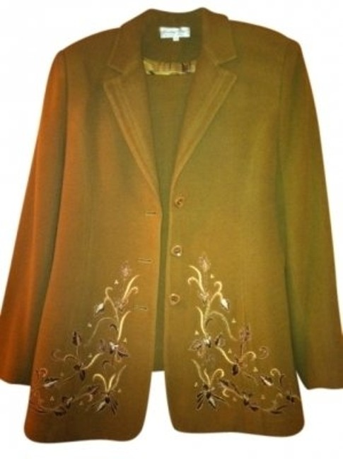 Preload https://item4.tradesy.com/images/camel-embroidered-3-piece-skirt-suit-size-10-m-140558-0-0.jpg?width=400&height=650