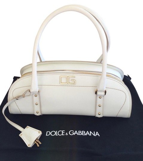 Preload https://item5.tradesy.com/images/dolce-and-gabbana-white-leather-shoulder-bag-1406099-0-0.jpg?width=440&height=440