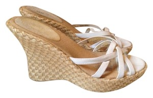 Bakers White Wedges
