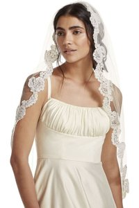 David's Bridal Ivory Medium Fingertip with Pearl Embellished Alencon Lace Style Vcrl538 Bridal Veil