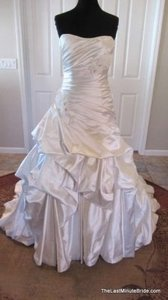 Maggie Sottero Alabaster Satin Talese A3536 Feminine Wedding Dress Size 8 (M)