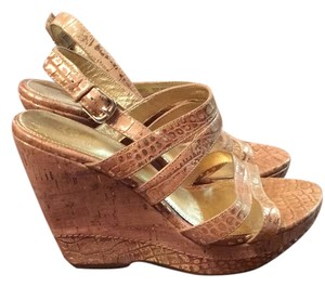 Isola Gold Wedges