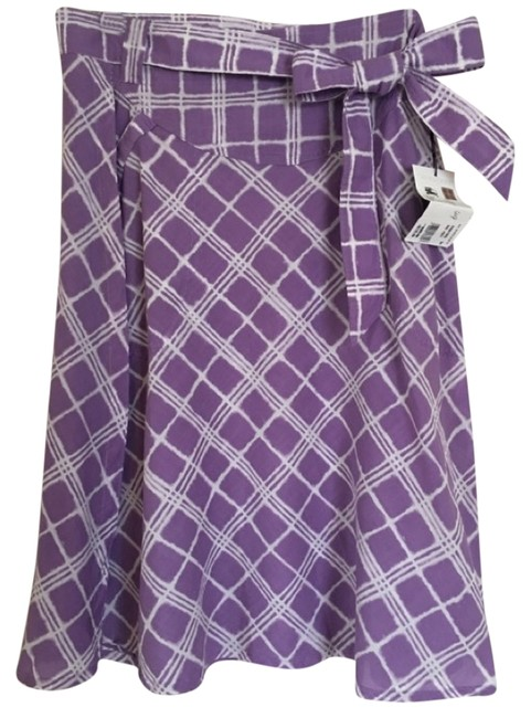 Preload https://img-static.tradesy.com/item/14067652/burberry-purple-skirt-size-10-m-31-0-1-650-650.jpg
