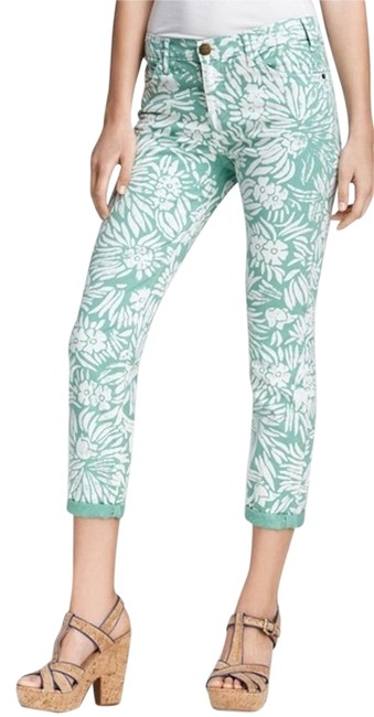 Preload https://img-static.tradesy.com/item/14071447/diane-von-furstenberg-mint-green-with-white-capricropped-jeans-size-30-6-m-0-3-650-650.jpg