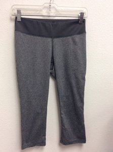 New Balance Balance Lightening Dry Womens Gray Crop Athletic Pants Work Out Wear