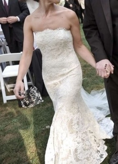 Preload https://img-static.tradesy.com/item/140765/monique-lhuillier-champagne-with-ivory-lace-overlay-vintage-wedding-dress-size-petite-2-xs-0-0-540-540.jpg