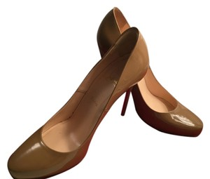 Christian Louboutin Leather Patent Leather Dark Nude/ Tan Pumps