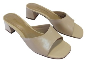 Naturalizer New Size 7.50 M (usa) Excellent Condition Neutral Mules