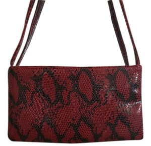 Steve Madden Wristlet in red and black