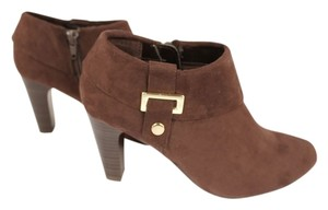 Karen Scott Dark Brown Boots