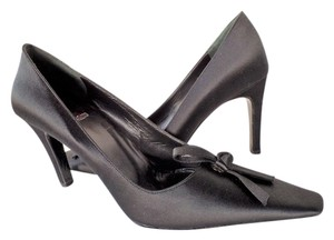 Vera Wang Satin Formal Black Pumps