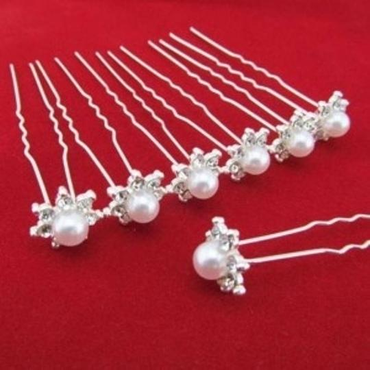 Silver / Pearl / Rhinestone 5 Flower and Hairpins Hair Accessory
