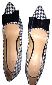 Apt. 9 Hounds Tooth Stiletto Heel Black and white Pumps