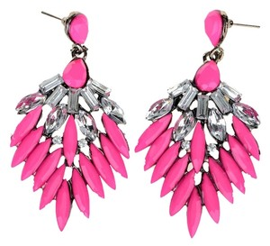 vintage-style pierced earrings in rose