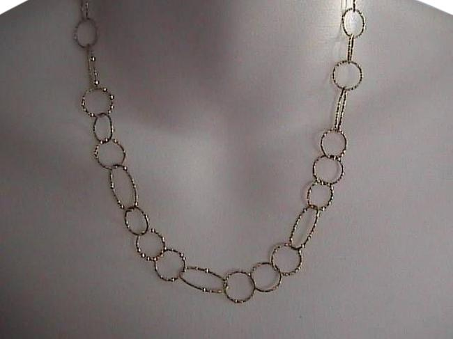 Vintage Sterling Silver Gold Tone Diamond Cut Italy Hammered Oval Link Ladies Necklace Vintage Sterling Silver Gold Tone Diamond Cut Italy Hammered Oval Link Ladies Necklace Image 1