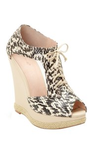 plomo Beige Wedges