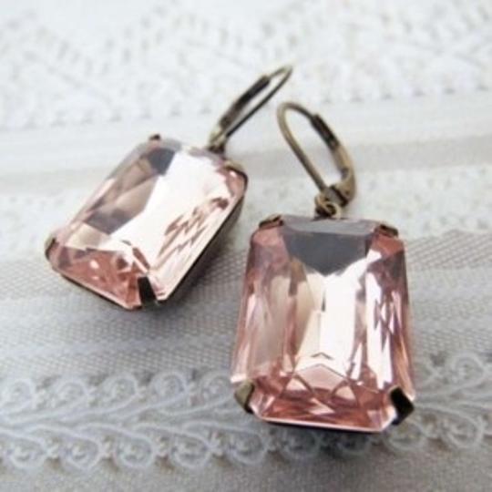 Preload https://item1.tradesy.com/images/blush-pink-pale-earrings-140900-0-0.jpg?width=440&height=440
