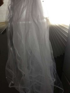 White Medium Bride's Bridal Veil
