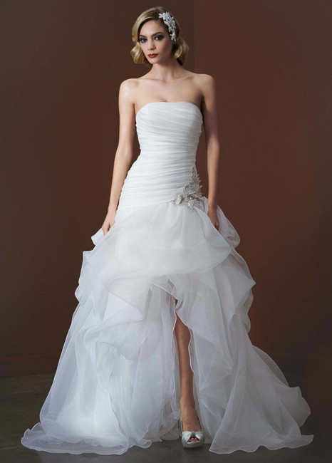 Item - Ivory Organza And Tulle High-low Gown with Beaded Flower Destination Wedding Dress Size 16 (XL, Plus 0x)
