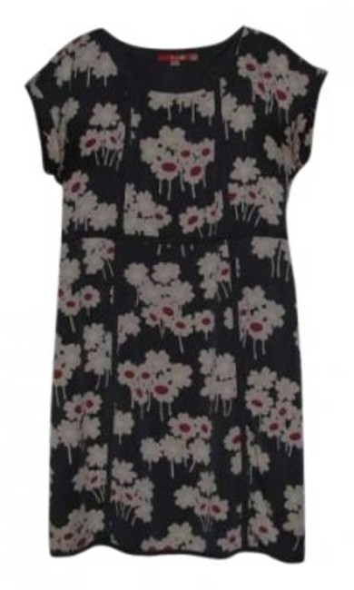 Preload https://item4.tradesy.com/images/boden-pink-and-white-on-blue-gray-background-above-knee-short-casual-dress-size-10-m-140938-0-0.jpg?width=400&height=650