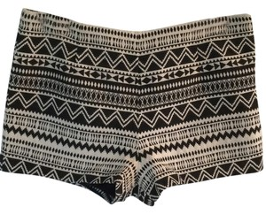 Forever 21 Mini/Short Shorts Black and white