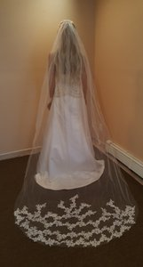 Bridal Chapel Veil Light Ivory Lace Appliques