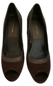 Bandolino Peep Toe Suede Chocolate Brown Pumps