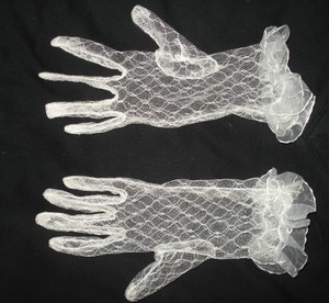 Ivory Lace Wrist Length Gloves Free Shipping