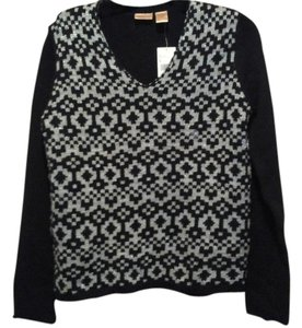 Northcrest Seater V Neck Seater Sweater
