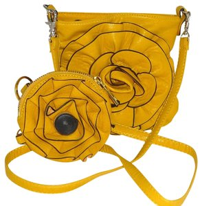 Urban Expressions Flower Tasha Faux Leather Coin Cross Body Bag