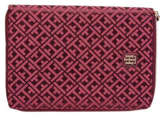 Preload https://img-static.tradesy.com/item/14104951/tommy-hilfiger-red-tech-zip-case-for-tablet-notebook-ipad-10-0-1-540-540.jpg