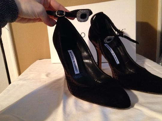 Manolo Blahnik Black velvet Pumps