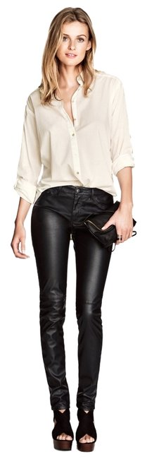 Preload https://img-static.tradesy.com/item/1411076/h-and-m-black-imitation-leather-skinny-pants-size-6-s-28-0-0-650-650.jpg