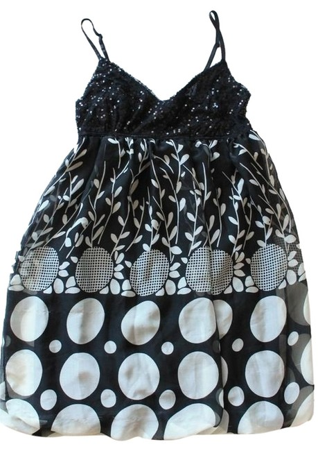 American Rag Black & White Sequined Top Bubble Hem Above Knee Short Casual Dress Size 2 (XS) American Rag Black & White Sequined Top Bubble Hem Above Knee Short Casual Dress Size 2 (XS) Image 1