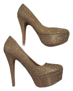 Charlotte Russe Party Gold Sparkly Pumps