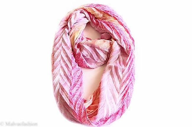 Item - Collection Xiix Chevron Pleated Paisley Loop Scarf White Bright