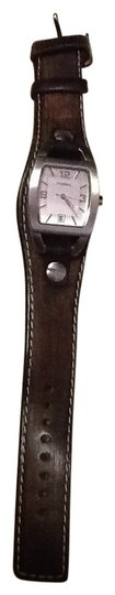 Preload https://item2.tradesy.com/images/fossil-brown-leather-stap-watch-141151-0-0.jpg?width=440&height=440