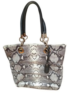 cynthia rawley Tote in black/white