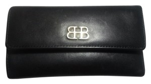 Bosca Italian Leather 9 Card Pockets Wristlet in Black