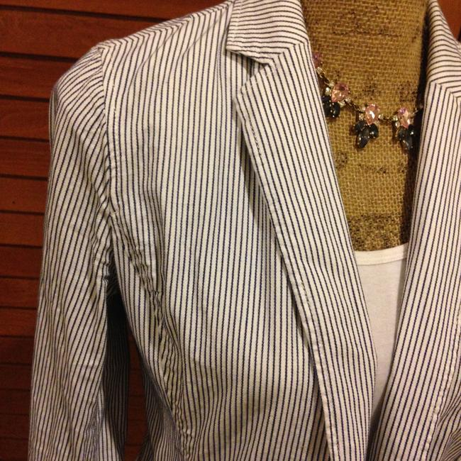 Banana Republic Fitted Business Seersucker - blue and white Blazer