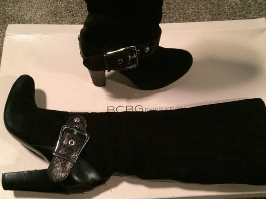 BCBGMAXAZRIA Suede Knee-high Snakeskin Snake Print Buckle Black Boots
