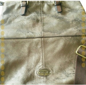 Fossil Nwot Tote in Goldtone