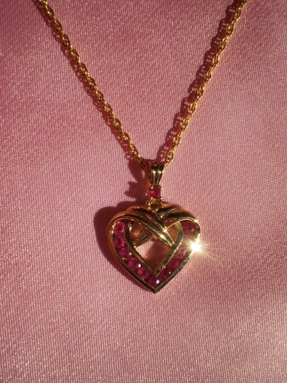 Danbury Mint New Danbury Mint gold heart w/rubies necklace