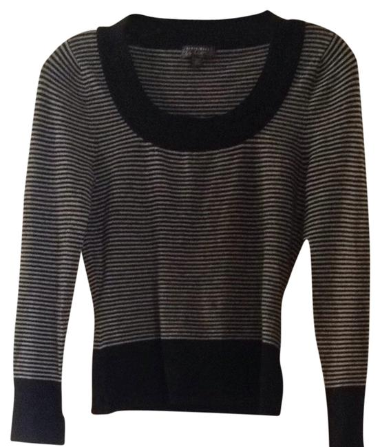 Preload https://img-static.tradesy.com/item/1413295/classiques-entier-black-and-gray-sweaterpullover-size-petite-2-xs-0-0-650-650.jpg